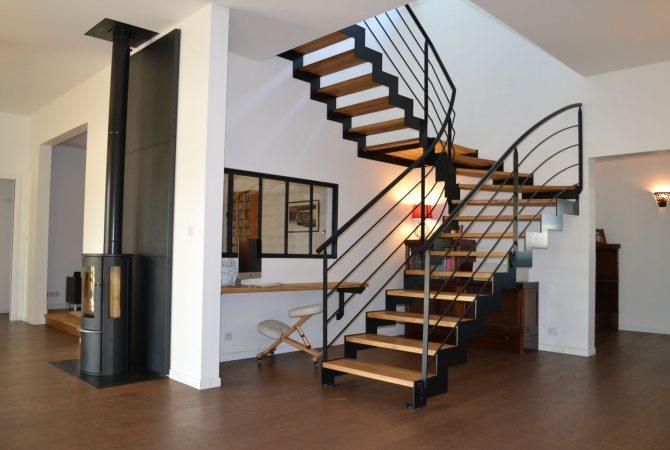 Escalier contemporain bois et metal – Menuiserie Bouffioux